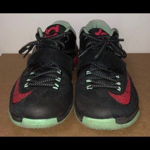 "KD VII ""Good Apples"" Nike Basketball Size 8.5 Men"